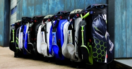 Golfbags von Score Industries.